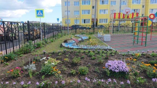 территория детского сада летом